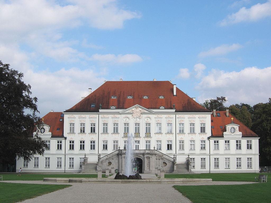 1024px-Schloss_Haimhausen-01.jpg