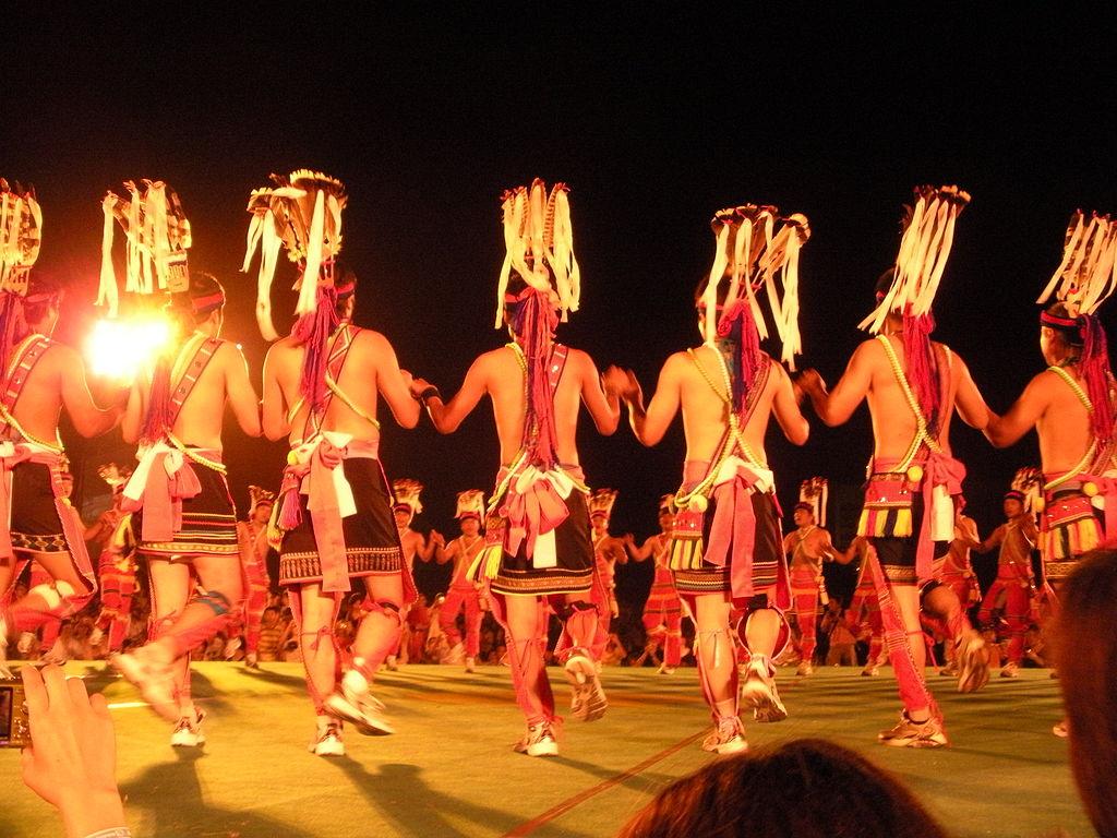 1024px-Taiwan_aborigine_amis_dance.jpg