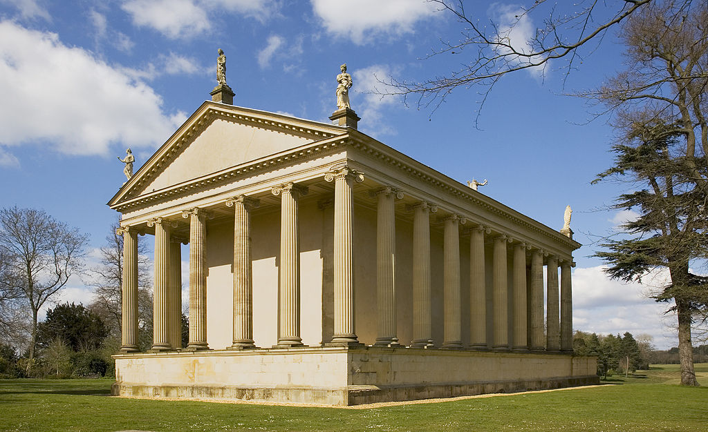 1024px-The_Temple_of_Concord_and_Victory,_Stowe_Landscape_Gardens.JPG
