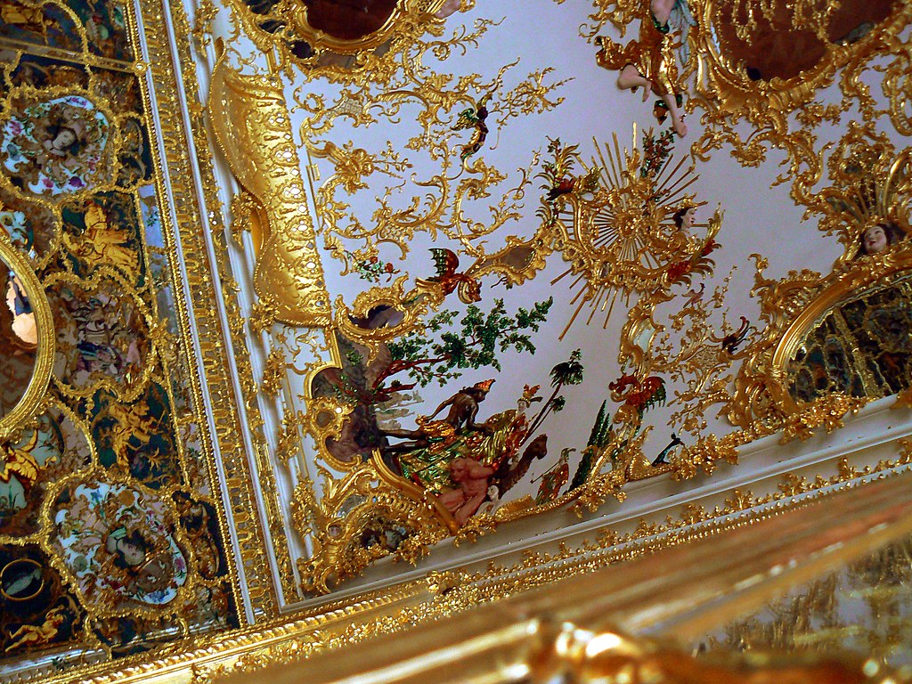 1024px-Würzburg,_Residenz_(4644606208).jpg