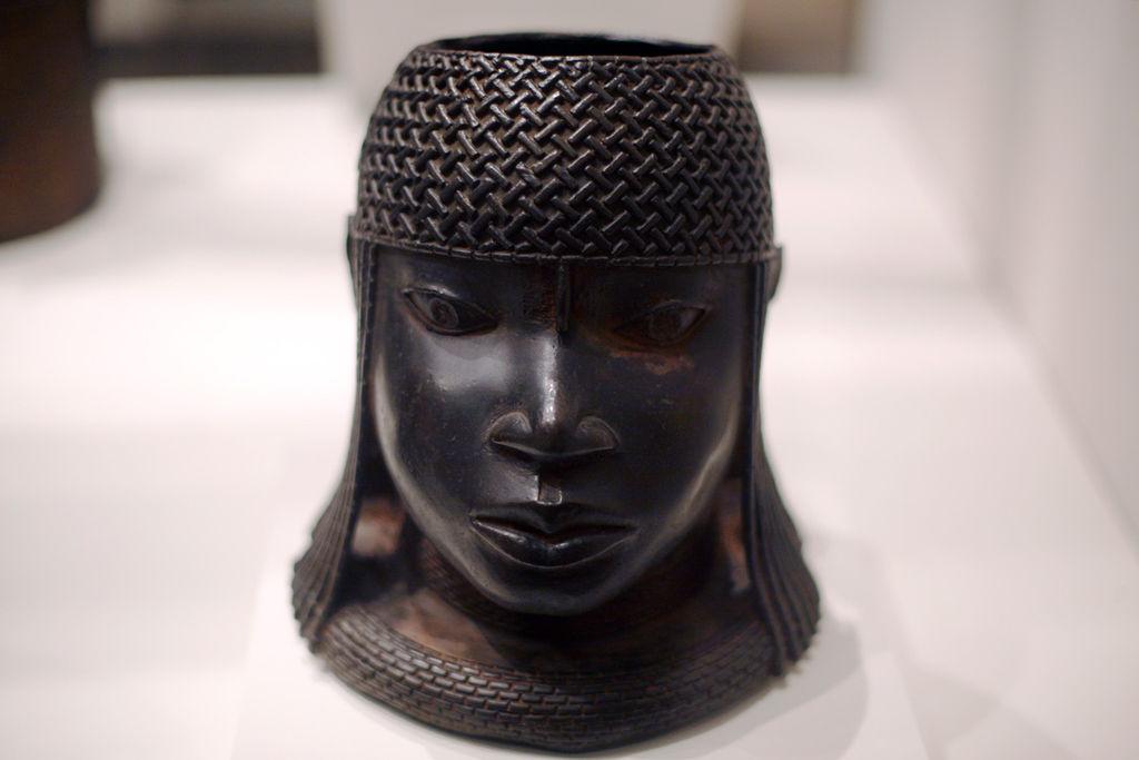 1024px-WLA_metmuseum_Head_of_an_Oba_Edo.jpg