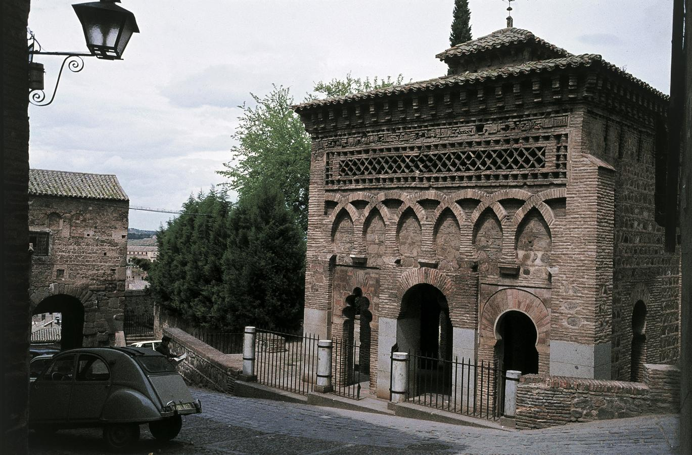 10dBab-al-Mardun-moskeen_-Toledo_-Spanien.-HMH.jpg