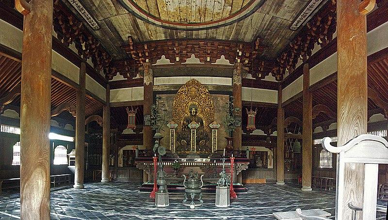 113.Дайтоку-дзи.Храм Будды,статуя Будды.jpg