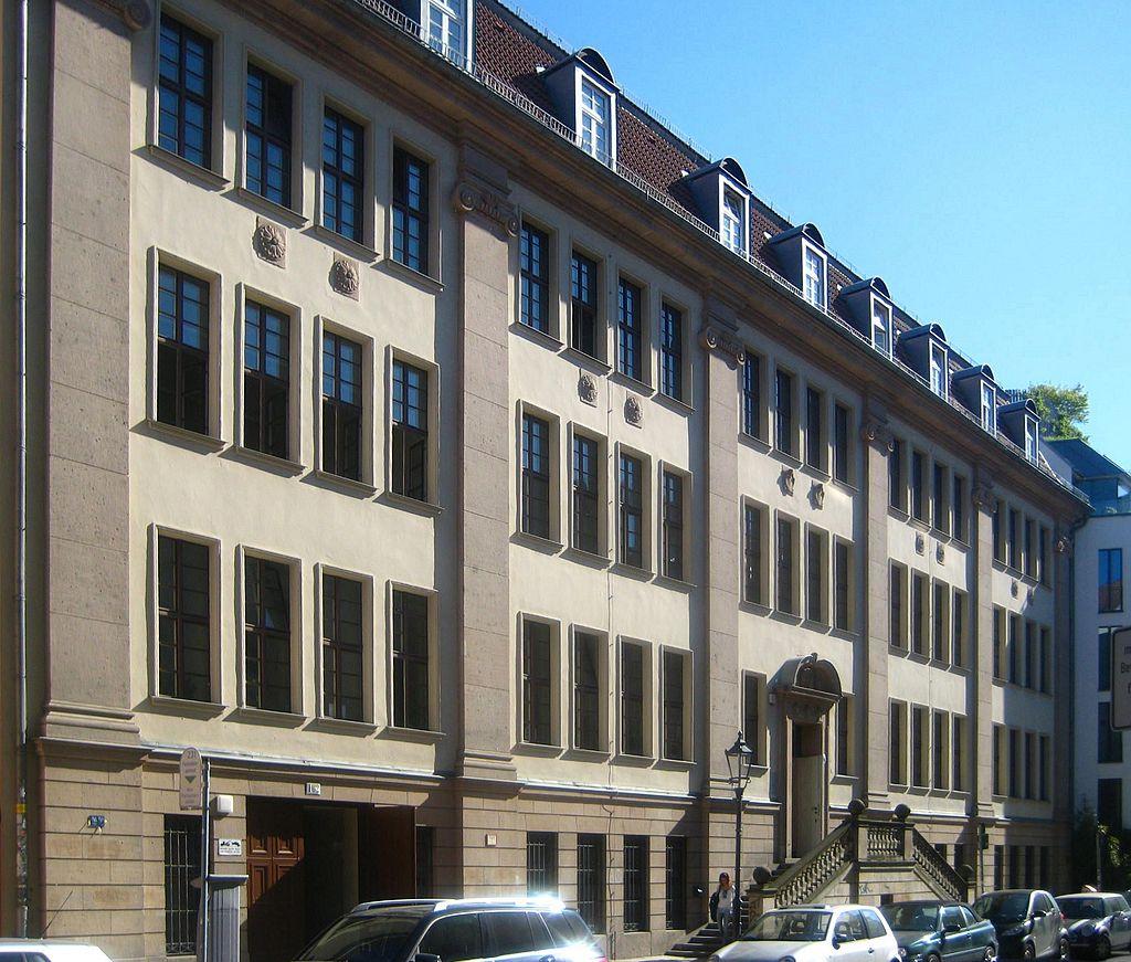 11Berlin,_Mitte,_Linienstrasse_162,_City-VHS.jpg