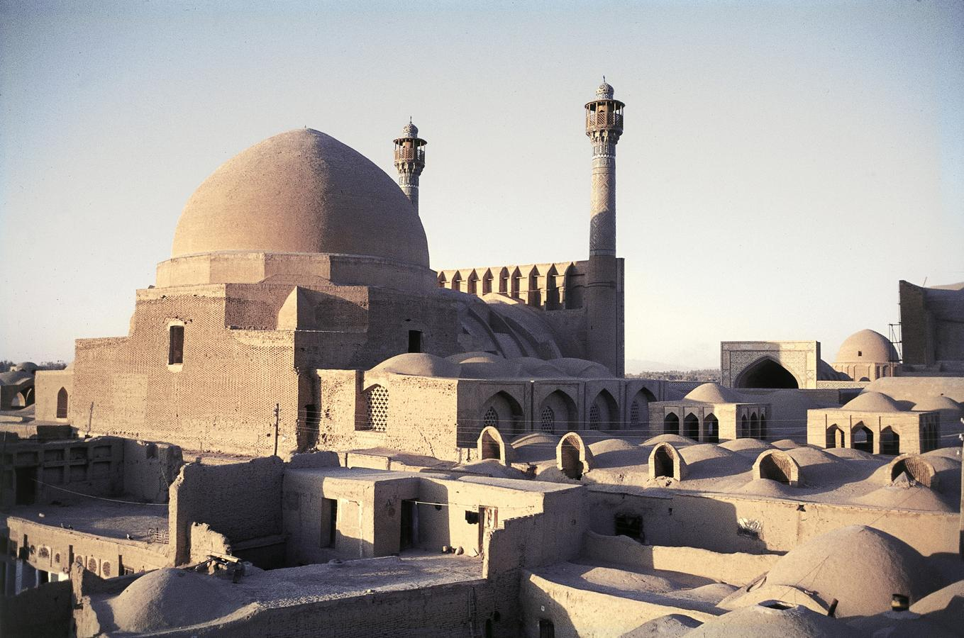 11Fredagsmoskeen_-Isfahan-_kuplen__-Iran.-HMH.jpg