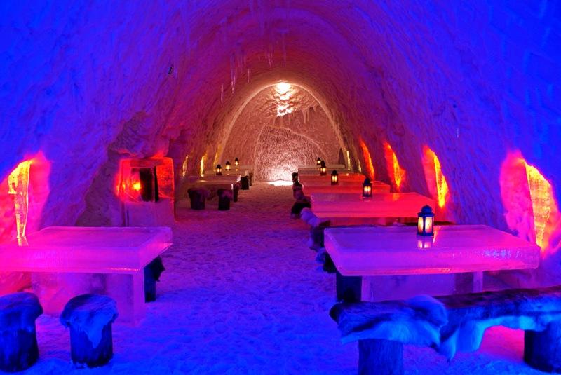 12-Ресторан-в-ледяной-пещере-2009.jpg