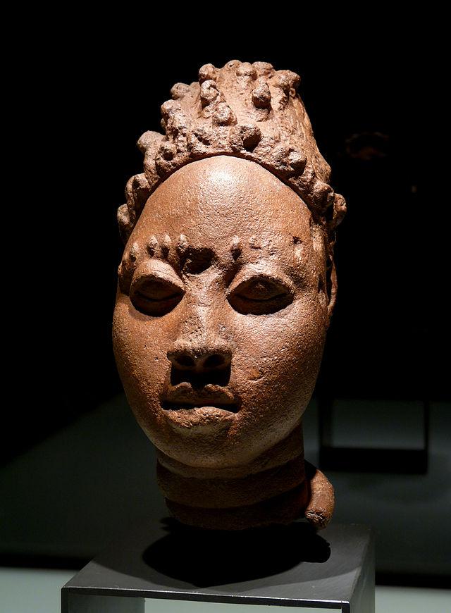 12-15 Tête_Ife-Musée_ethnologique_de_Berlin.jpg