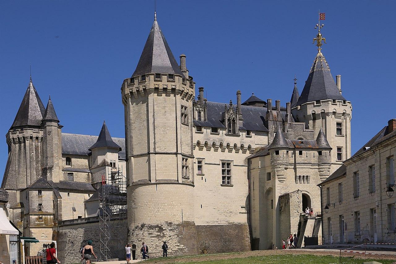 1280px-0_1106_Saumur_-_Château_de_Saumur.jpg