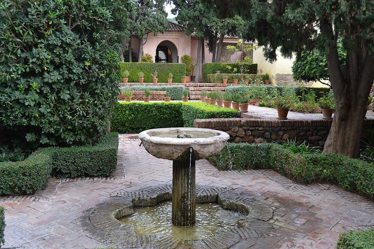 1280px-Alcazaba_de_Málaga_(9031343037).jpg