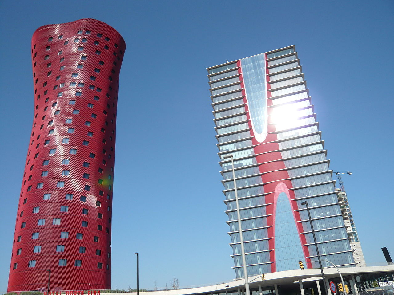 1280px-Barcelona_2010_August_005_Hotel.JPG