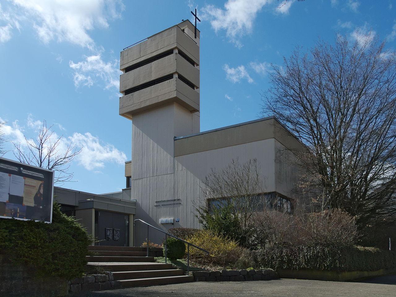 1280px-Bettringen-Versöhnungskirche-1.jpg