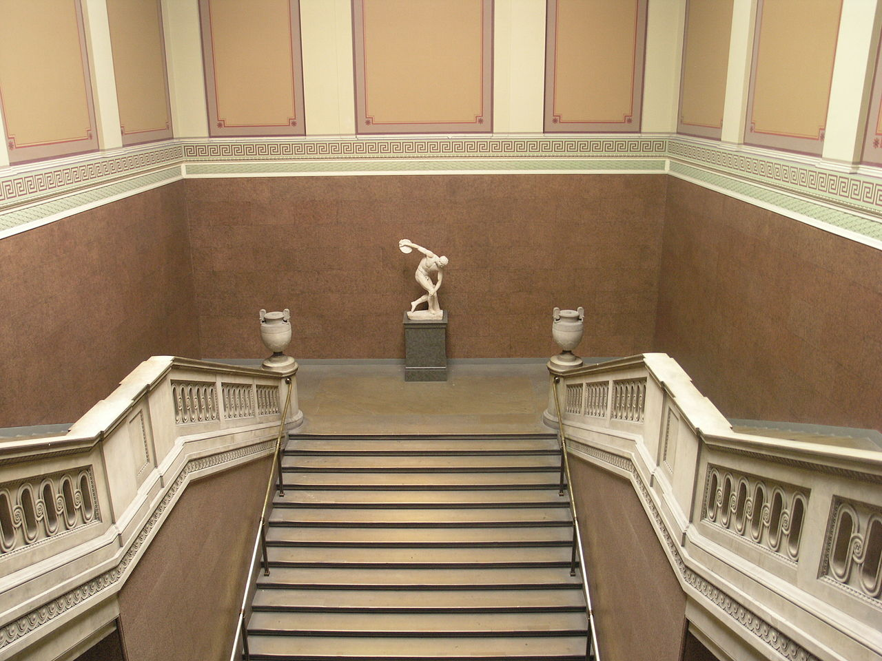 1280px-BM,_Main_Floor_Main_Entrance_Hall_-_South_Stairs.6.JPG