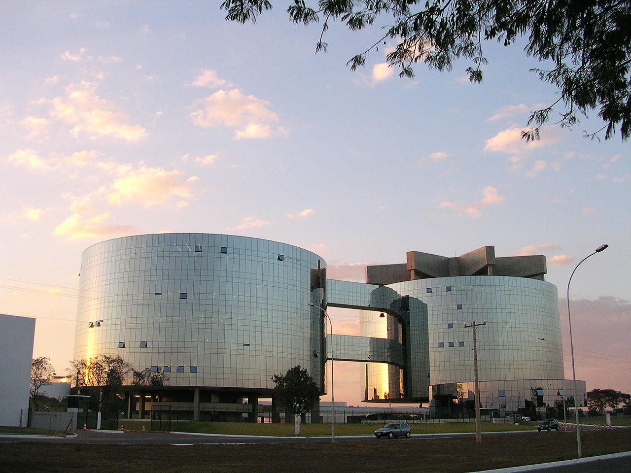 1280px-Brasilia_ProcuradoriaGeral.jpg