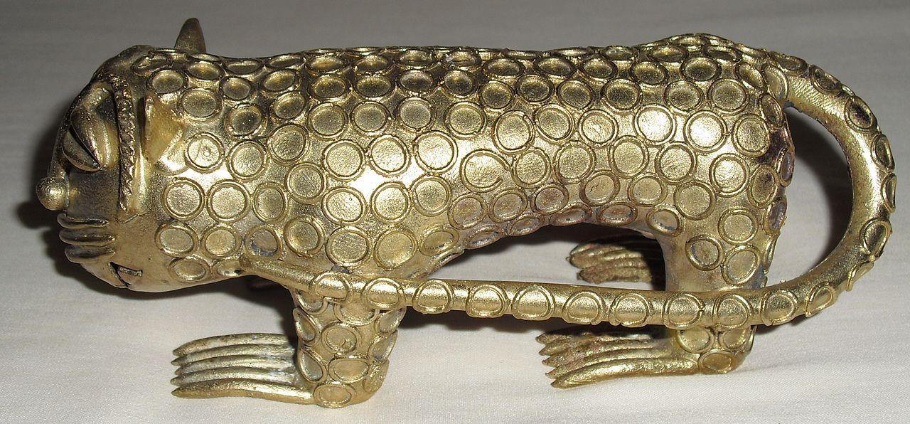 1280px-Brass_leopard.jpg