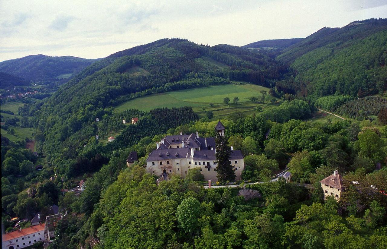 1280px-Burg-oberranna.jpg