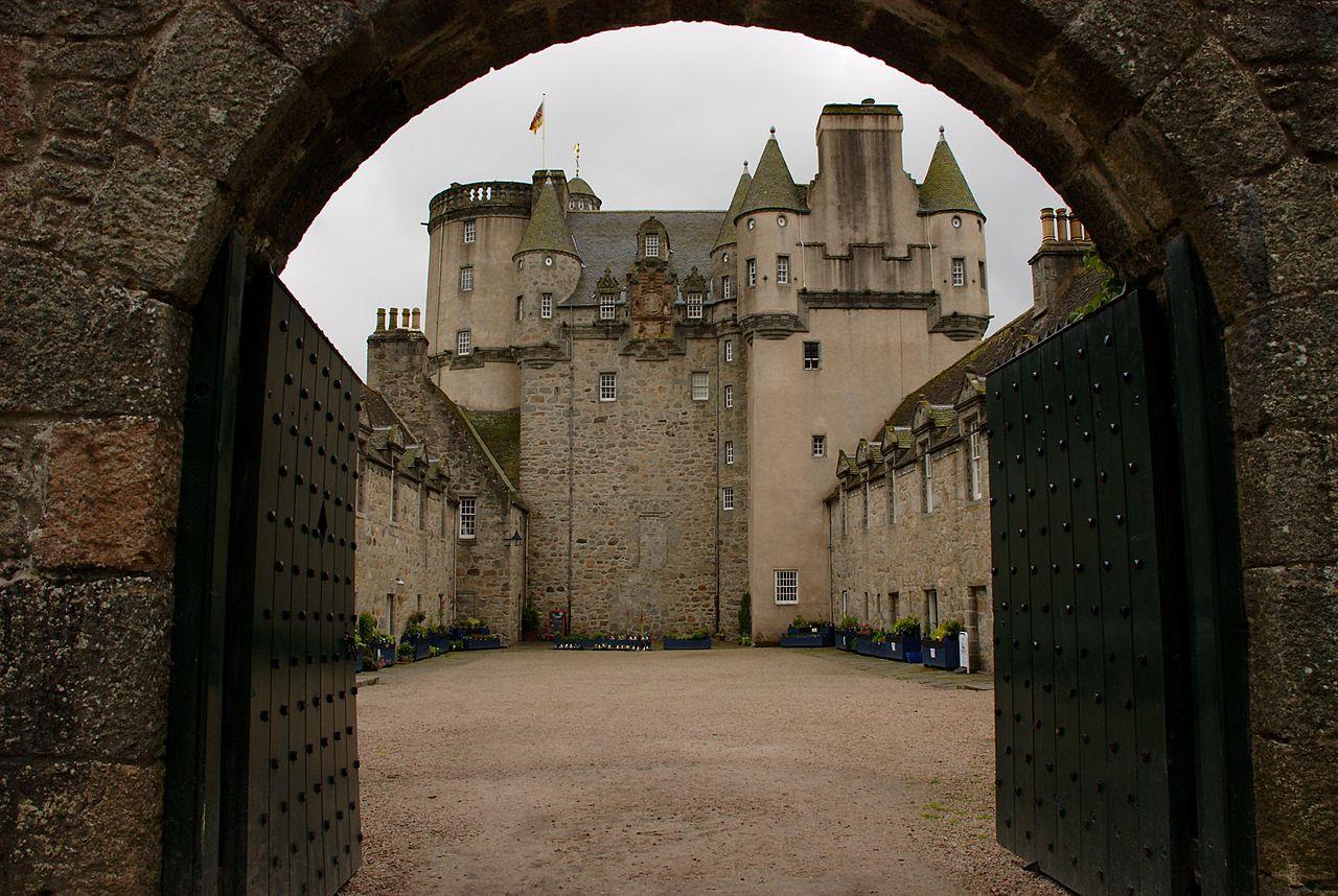 Ворота с замком картинки