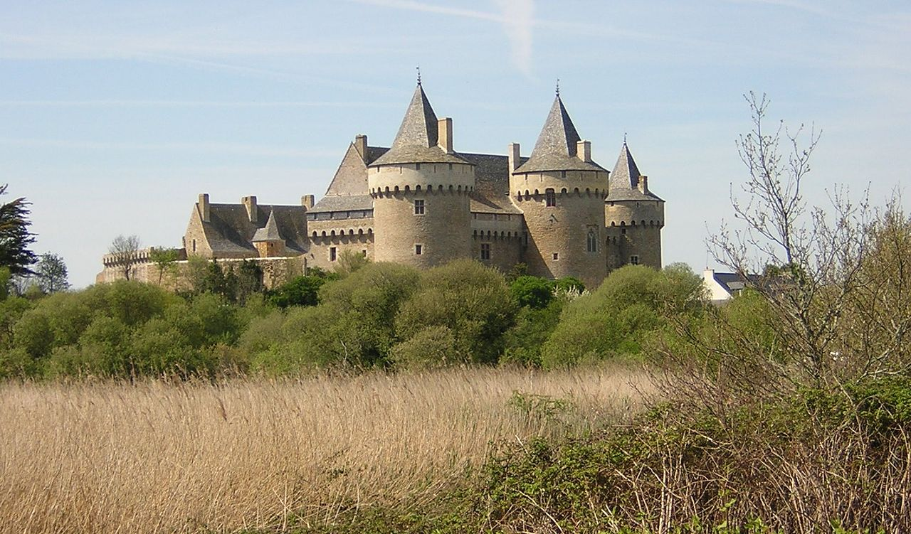 1280px-Château_Suscinio.jpg