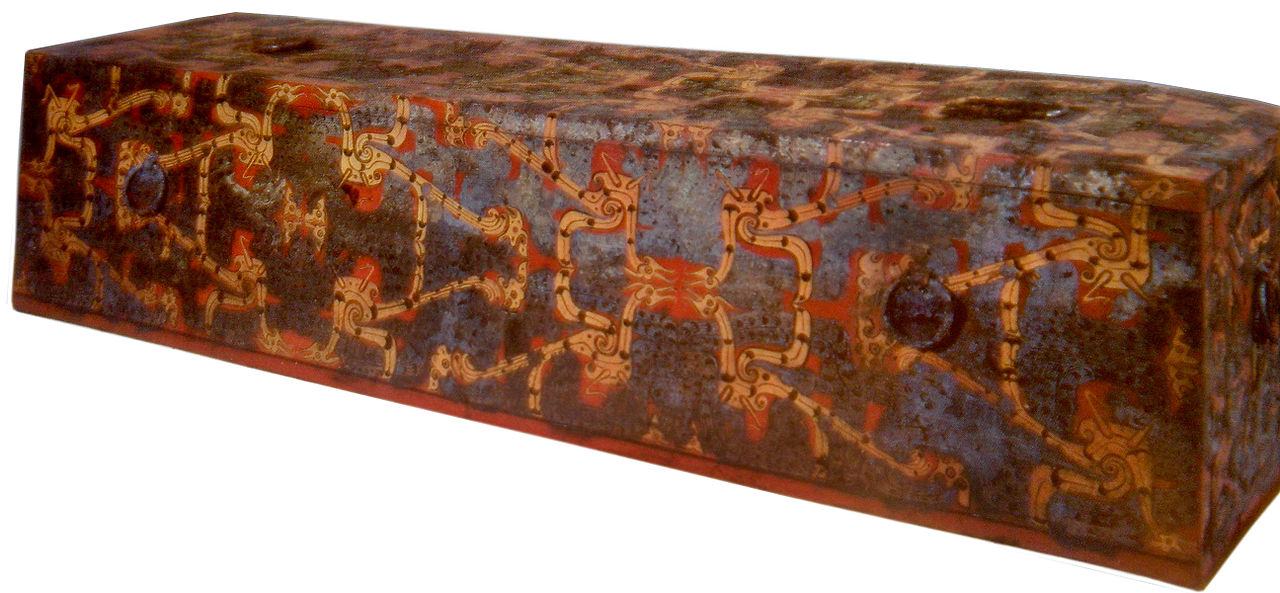 1280px-Chu_State_Lacquer_Coffin2.JPG
