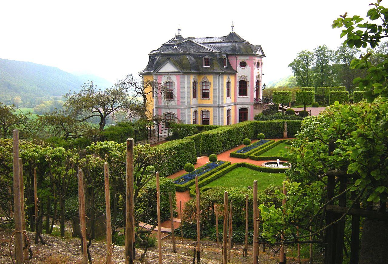 1280px-Dornburg_-_Rokokoschloß_mit_Garten.jpg