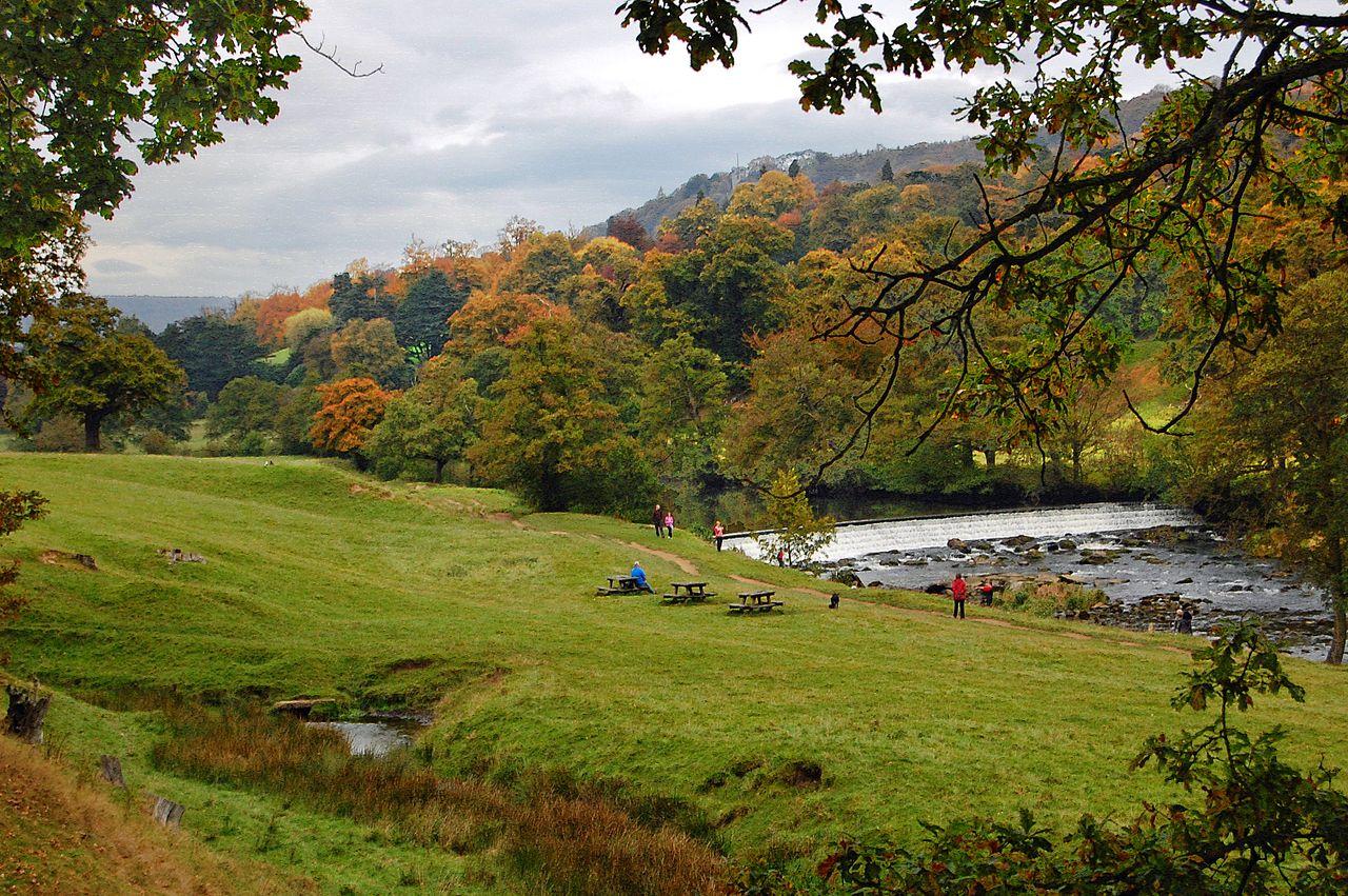 1280px-Flickr_-_Duncan__-_Chatsworth_Park.jpg