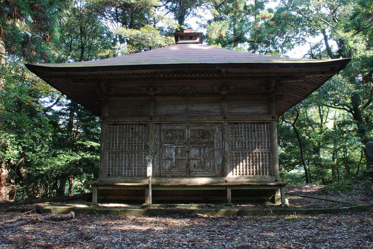 1280px-Gakuenji_temple_Kaizando.jpg
