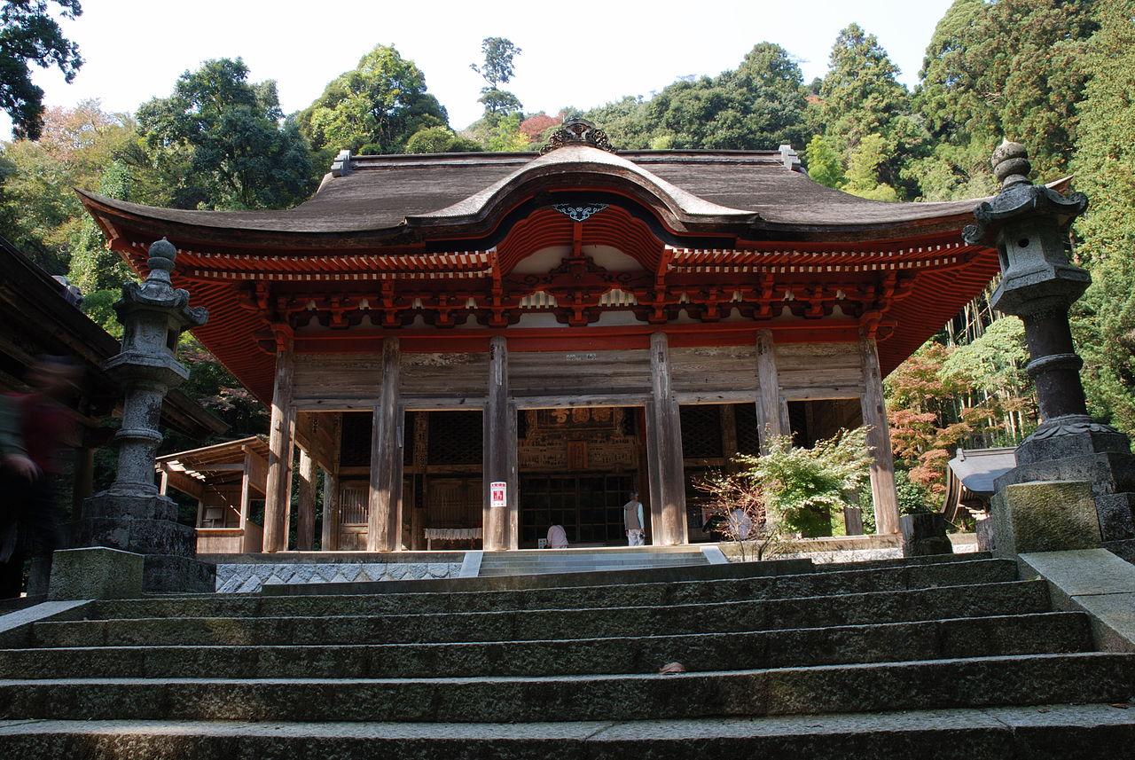 1280px-Gakuenji_temple_Konpondo.jpg