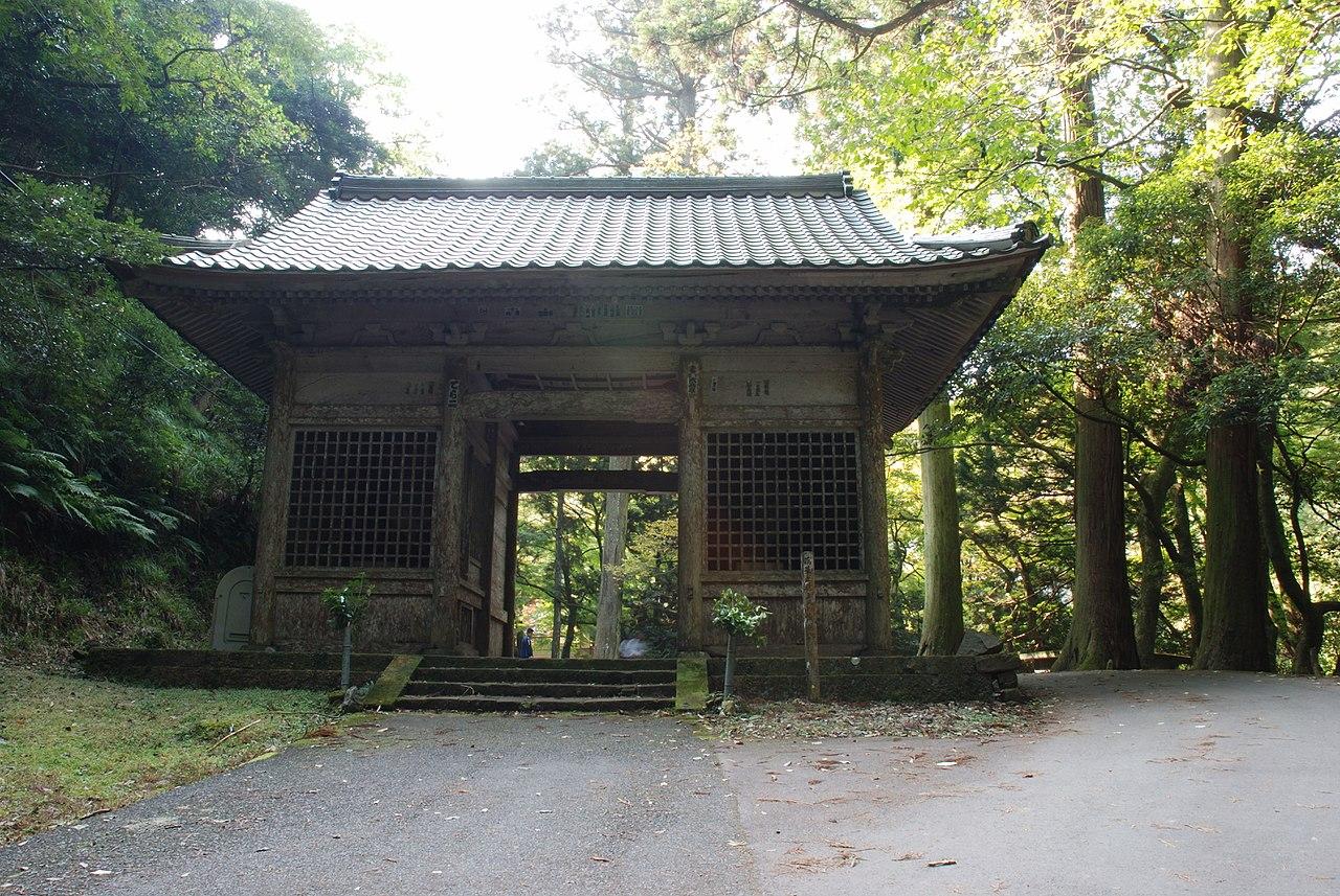 1280px-Gakuenji_temple_Niomon.jpg
