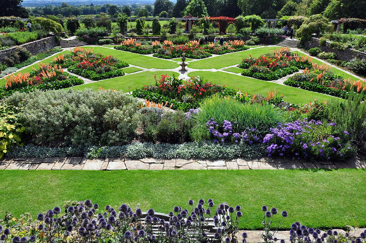 1280px-Hestercombe_Gardens_(6097257589).jpg
