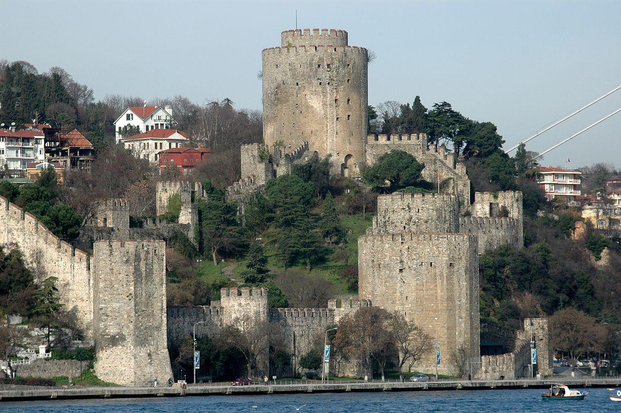 1280px-Istanbul_-_Fortalesa_d'Europa.JPG