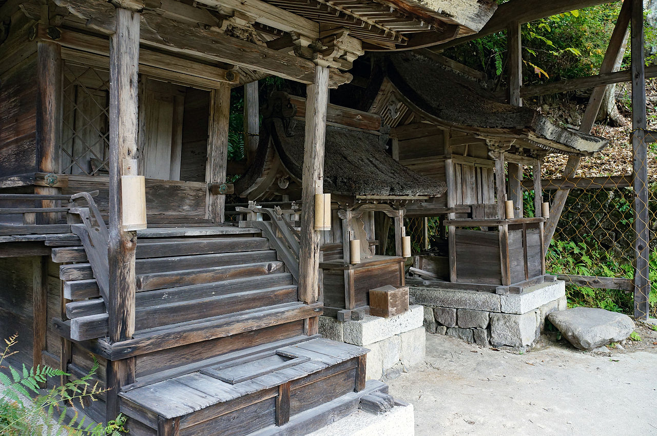 1280px-Kuwanomi-dera_Azuchi_Shiga_pref_Japan20n.jpg