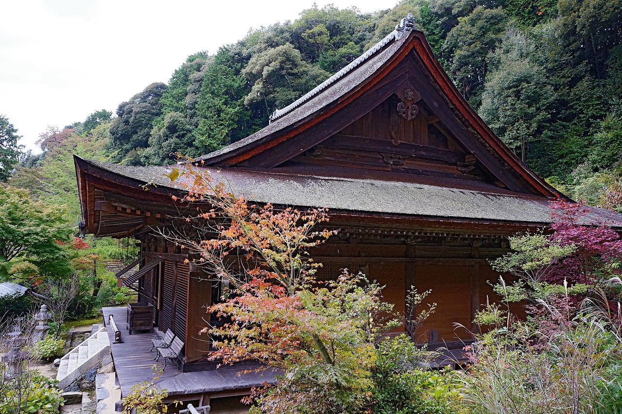 1280px-Kuwanomi-dera_Azuchi_Shiga_pref_Japan26n.jpg