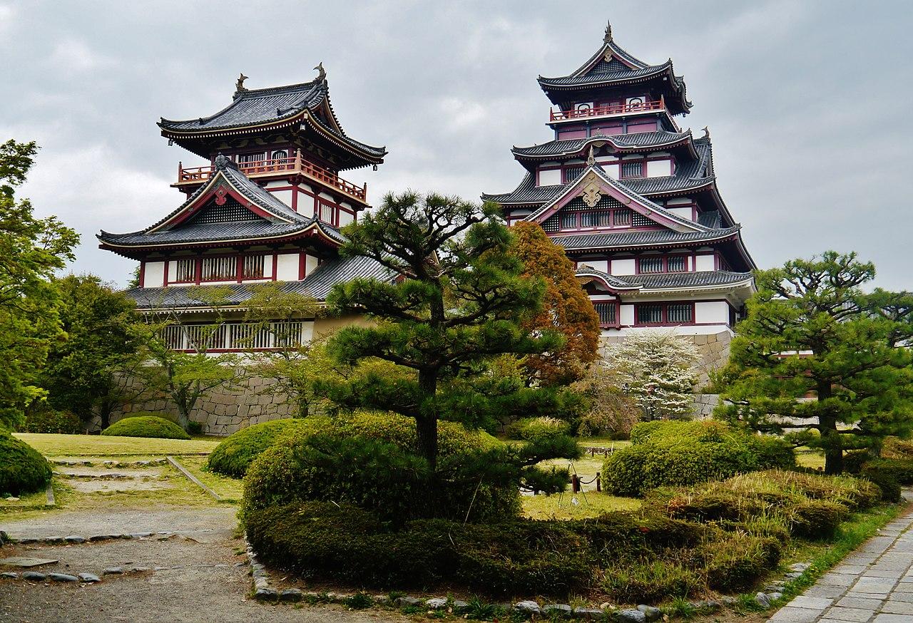 1280px-Kyoto_Fushimi-jo_2.jpg