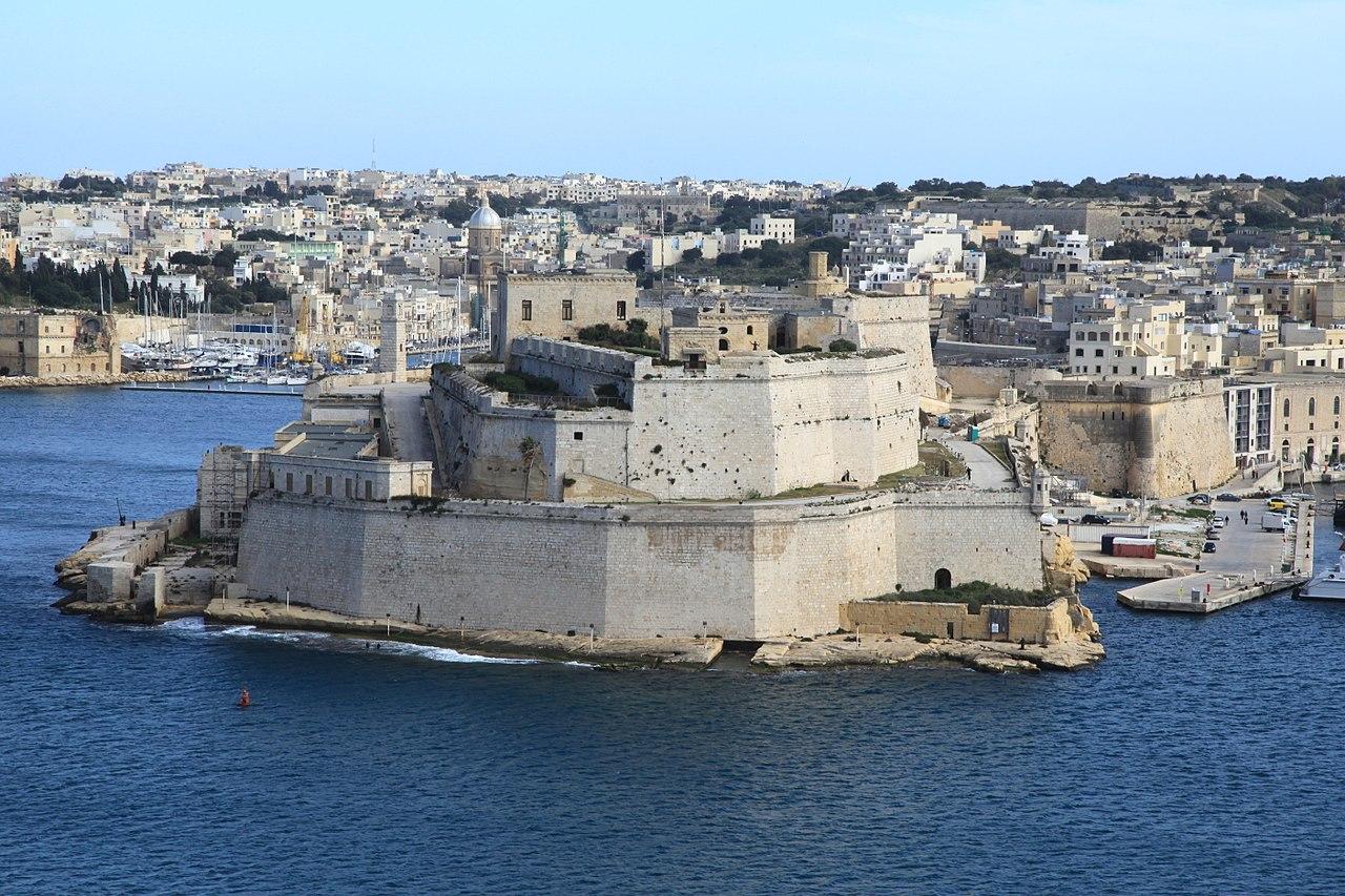 1280px-Malta_-_Birgu_-_Fort_Saint_Angelo_(Upper_Barrakka_Gardens)_01_ies.jpg