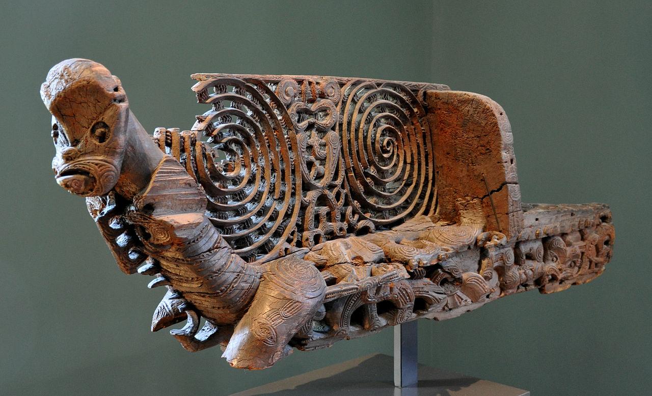 1280px-Maori_Schiffsbug_Museum_Rietberg_RPO_12.jpg