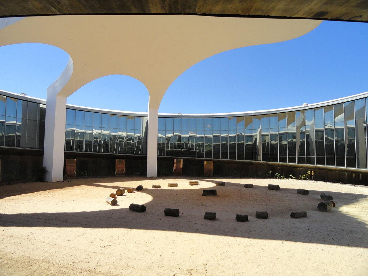 1280px-Memorial_dos_Povos_Indígenas_-_Brasilia_-_DSC00597.JPG