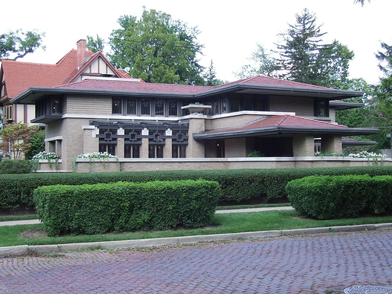 1280px-Meyer_May_House,_south_side,_2009.JPG