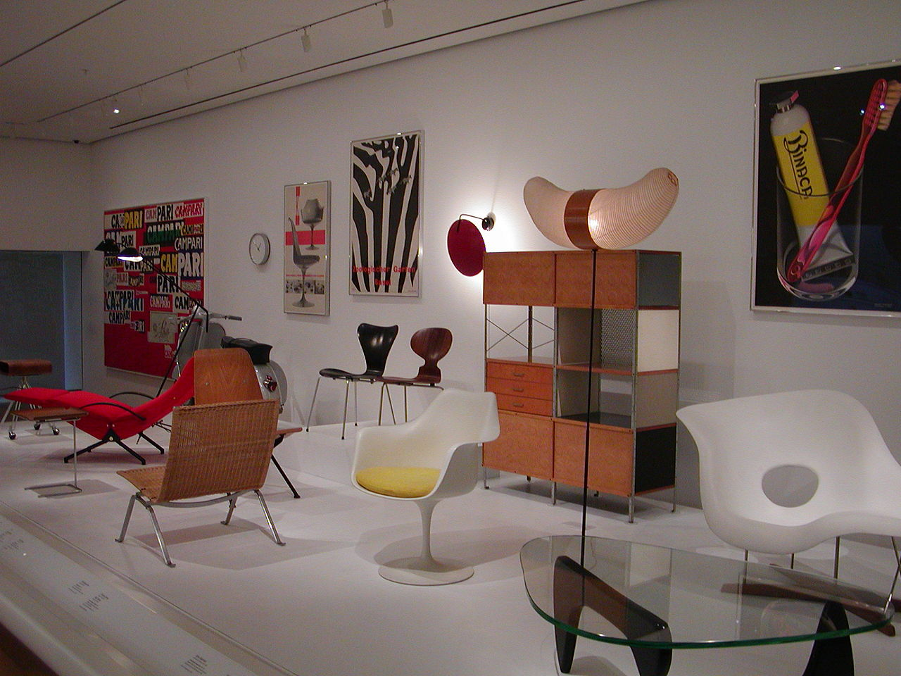 1280px-MOMA_chairs_2.jpg