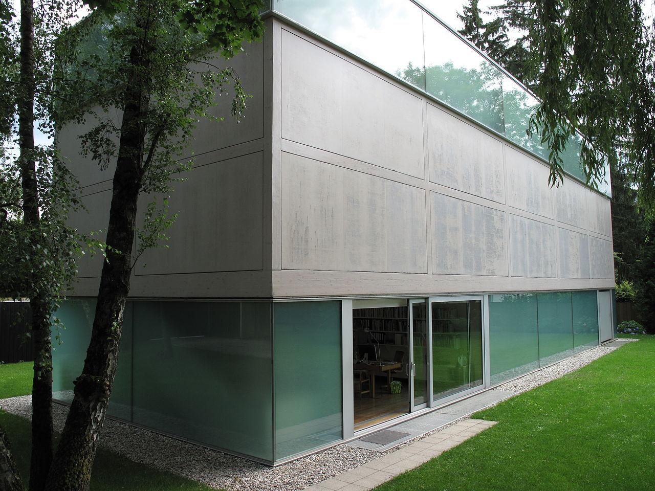 1280px-Museumsgebäude_Sammlung_Goetz_Oberföhring_München.JPG