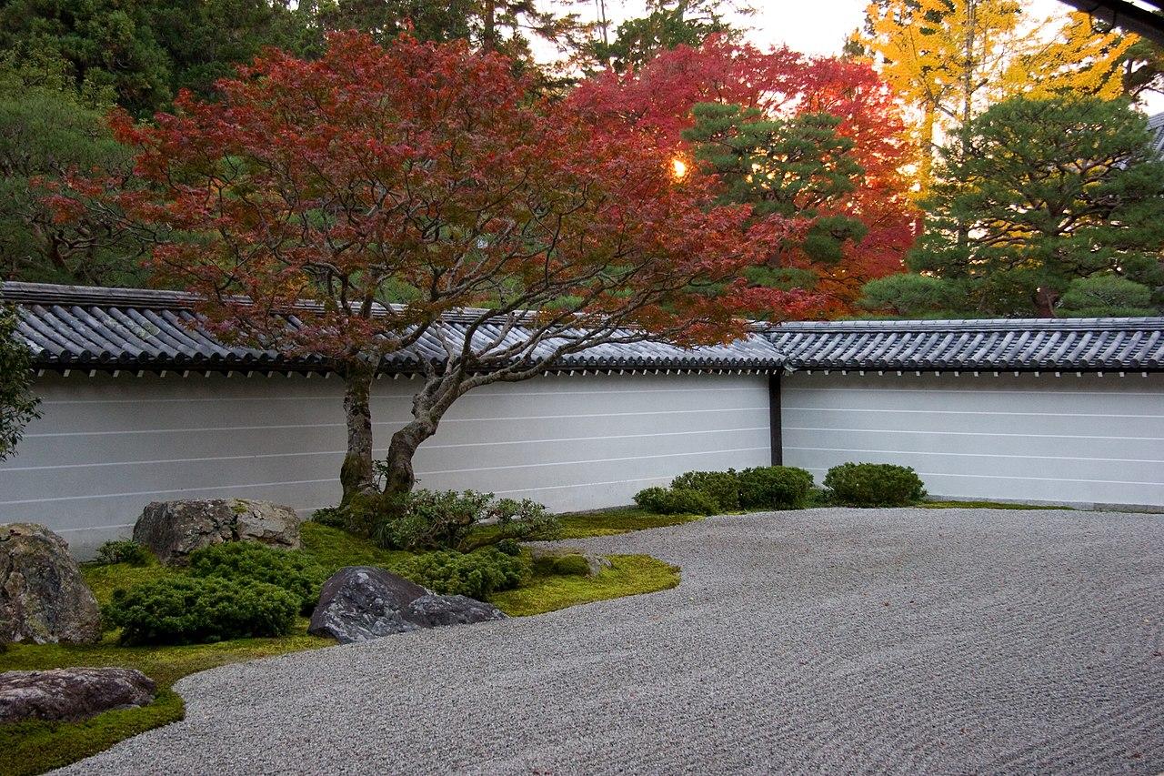 1280px-Nanzen-ji_(2635930331).jpg