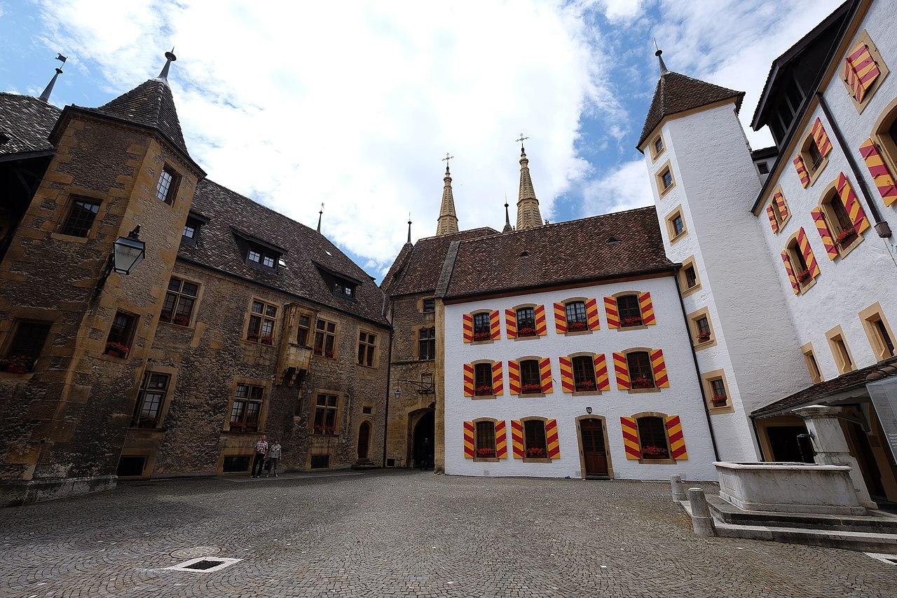 1280px-Neuchâtel,_Switzerland_-_panoramio_(363).jpg