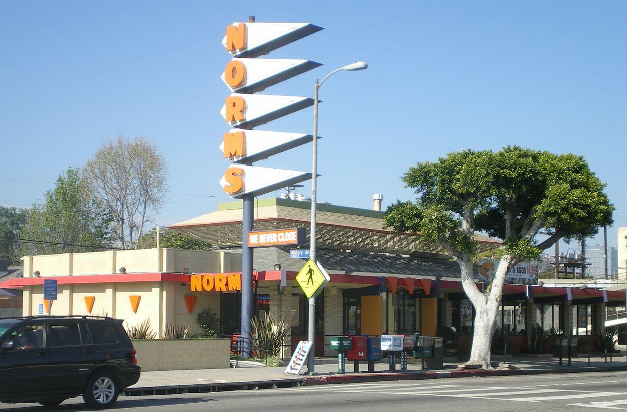 1280px-Norm's_Restaurant,_Pico_Blvd.,_Westwood,_Calif.JPG