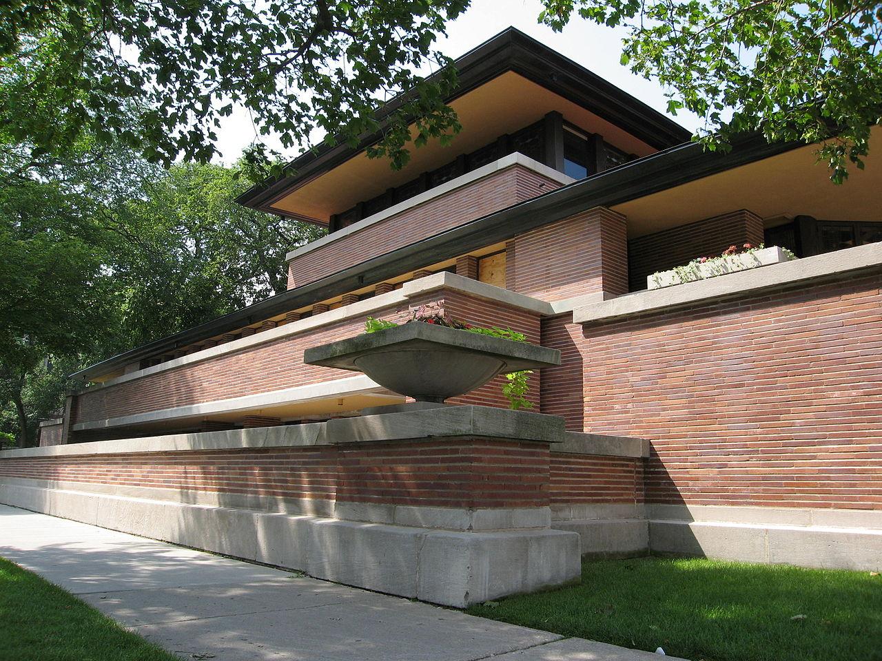 1280px-Robie_House_designed_by_Frank_Lloyd_Wright_1909.jpg