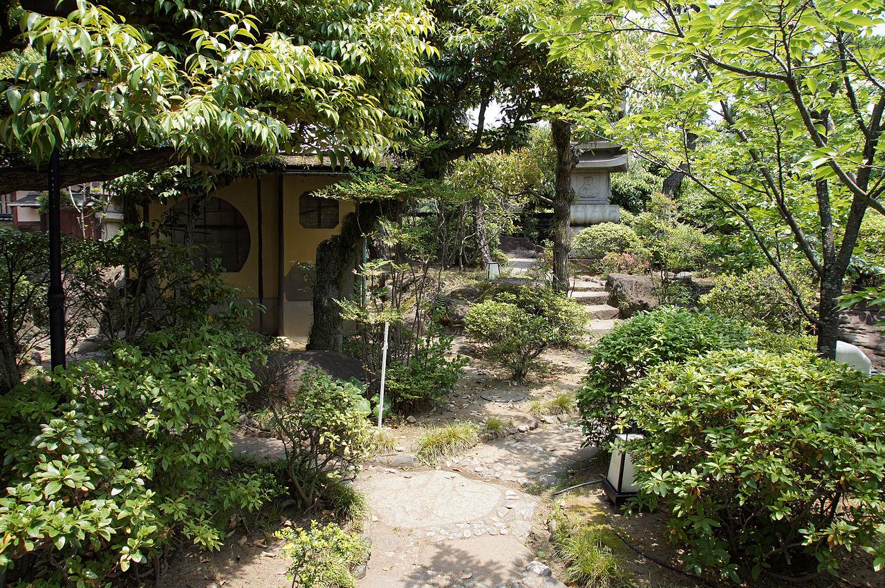 1280px-Rokusanen_Wakayama_Japan11n.jpg