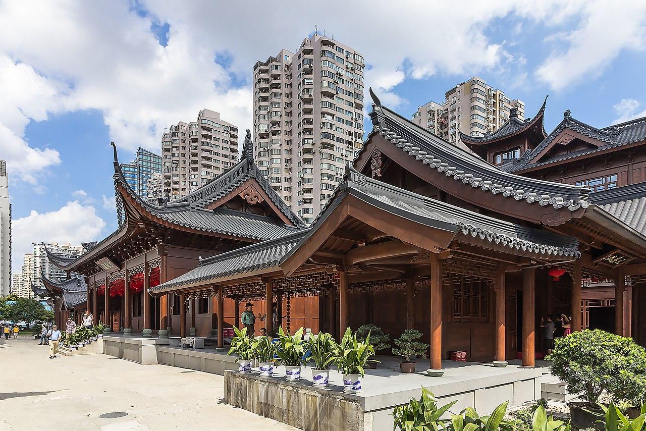1280px-Shanghai_-_Jade_Buddha_Temple_-_0003.jpg