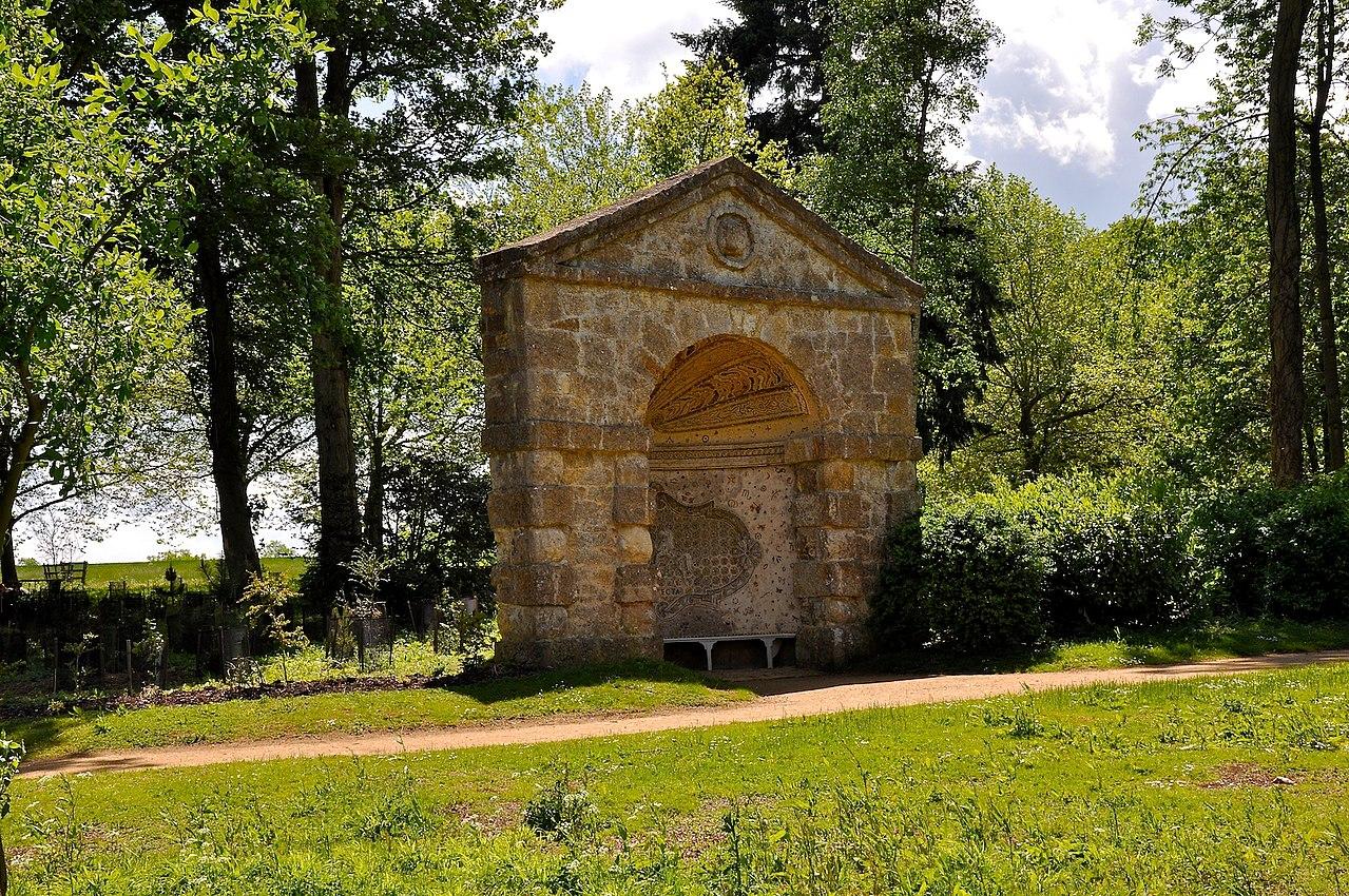 1280px-Stowe_Park,_Buckinghamshire_(4664521790).jpg