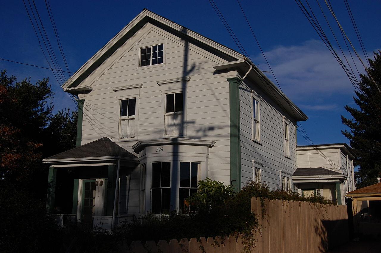 1280px-USA-Santa_Cruz-524_Ocean_View_Avenue.jpg