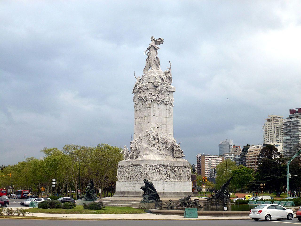 1280px-WLM_2013_-_Monumento_de_los_Españoles_2.jpg