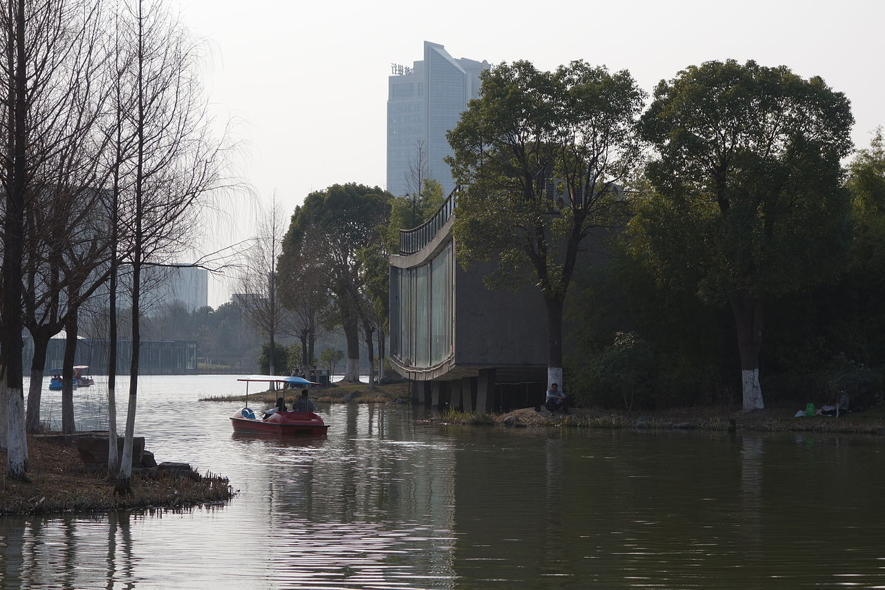 1280px-Yinzhou_Park_-_Five_Scattered_Houses_-_Cafe_(03).JPG