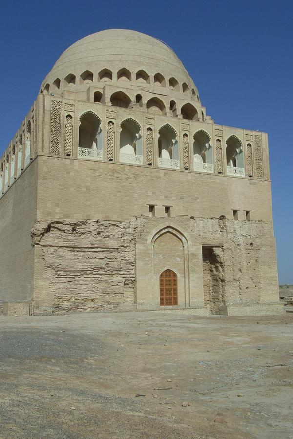 12Sultan-Sanjar-mausoleet_-Merv_-Turkmenistan.-HL.jpg