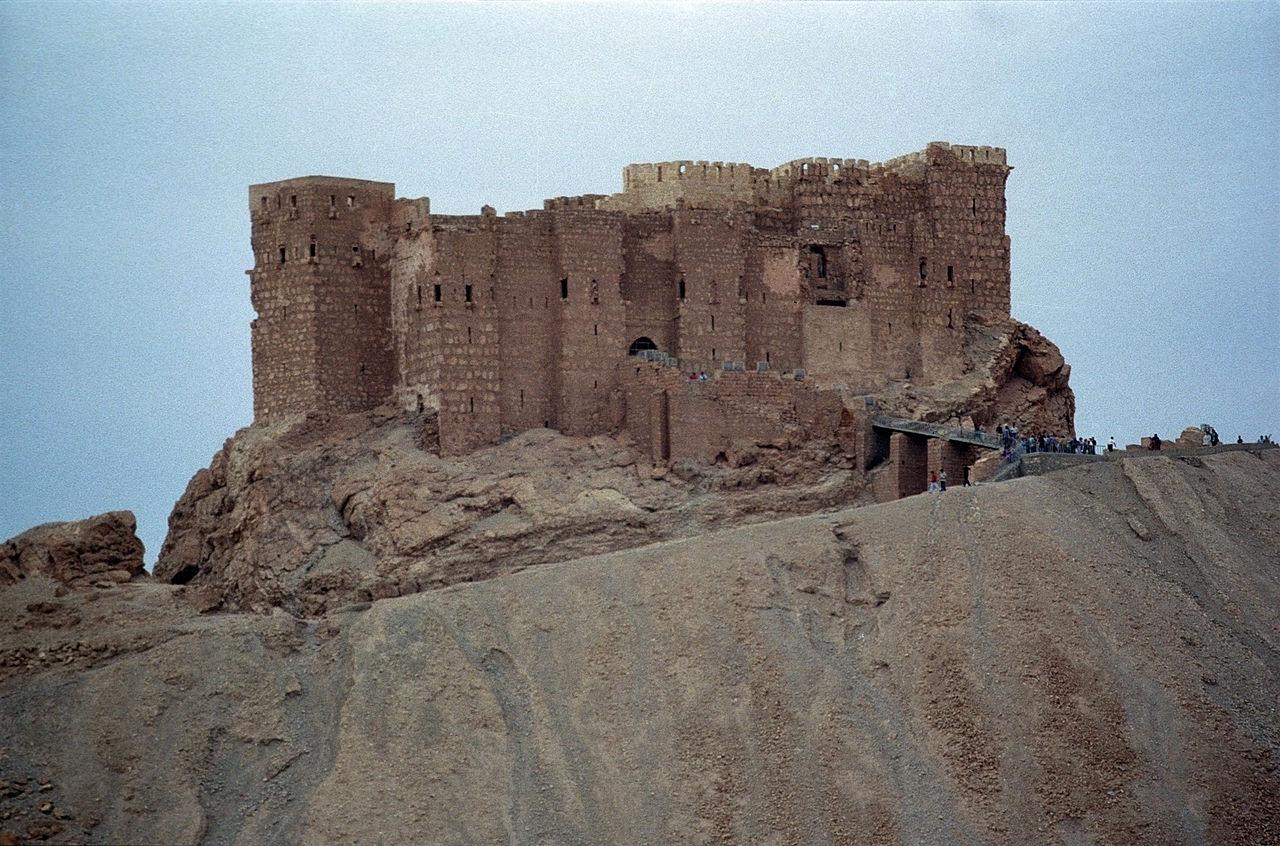 13 век тадмур 1280px-Qalat_ibn_maan01(js).jpg